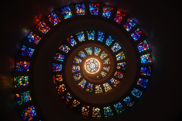 stained-glass-1181864_1920